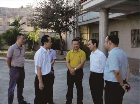 省人社厅领导到我校指导工作